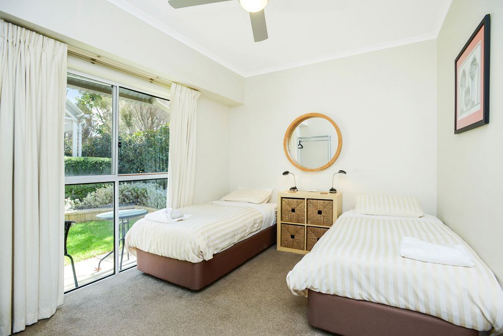 Twin beds at Waimea, Victor Harbor Holiday Rental.